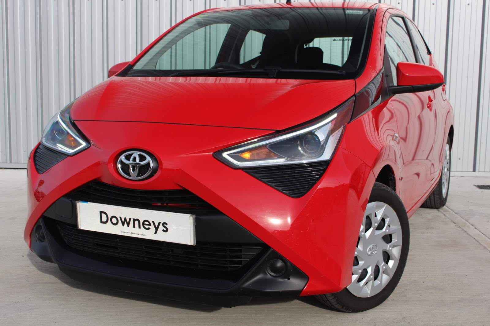 Toyota AYGO X-PLAY VVT-I TOYOTA WARRANTY UNTIL JULY 2023