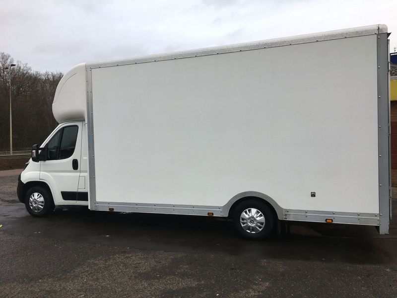 Peugeot Boxer 2.0 BlueHDi 335 Built for Business L4 2dr