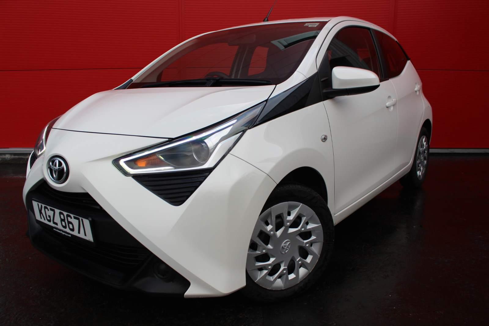 Toyota AYGO X-PLAY VVT-I TOYOTA WARRANTY UNTIL AUGUST 2023