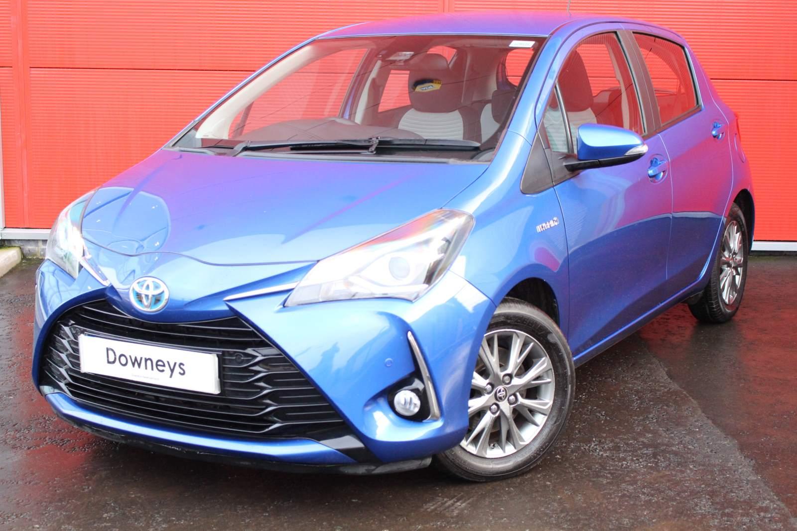 Toyota YARIS ICON TECH 1.5 HYB VVT-I CVT