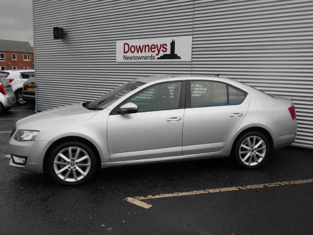 2013 skoda octavia 1 6 tdi cr elegance 105 5dr with nav used kia dealer northern ireland used. Black Bedroom Furniture Sets. Home Design Ideas