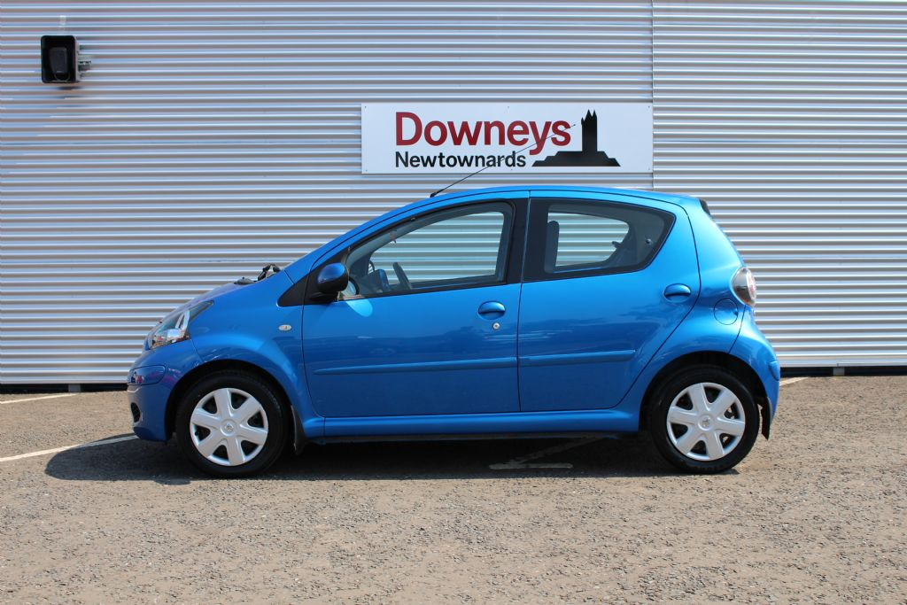 2009 toyota aygo blue 1 0 vvti 5dr used kia dealer northern ireland used kia approved cars. Black Bedroom Furniture Sets. Home Design Ideas