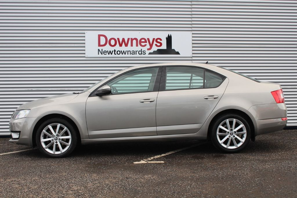 2013 skoda octavia 1 6 tdi cr elegance 105 5 door with nav used kia dealer northern ireland. Black Bedroom Furniture Sets. Home Design Ideas